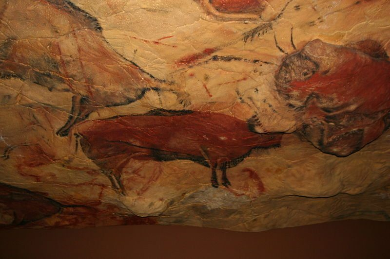 File:Reproduction cave of Altamira 01.jpg