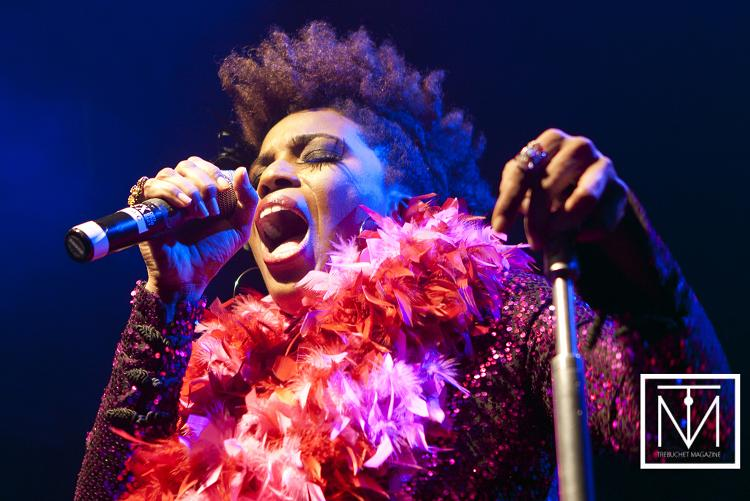 Macy Gray onstage
