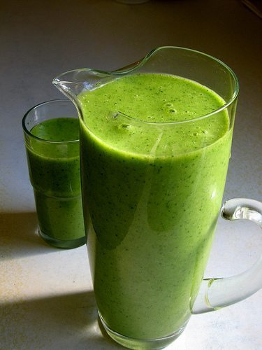 green_smoothie_pitcher
