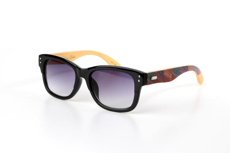 A picture of a pair of Colin Leslie sunglasses