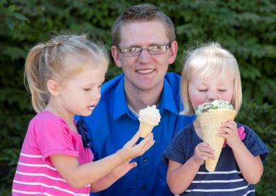 Professor Alex Jensen with his two daughters. By Mark Philbrick/BYU