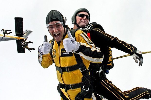 Skydivers, The twofold cost of sex
