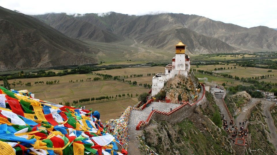 tibet by pixabay and hbieser